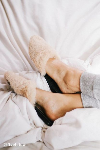 Urban-Outfitters-Faux-Fur-Slippers